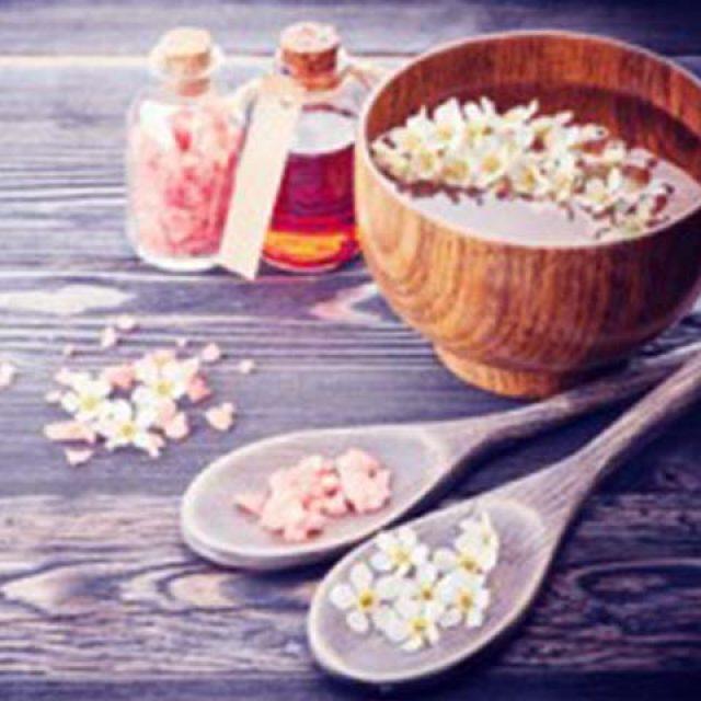 Thai Aroma Theraphy Massage